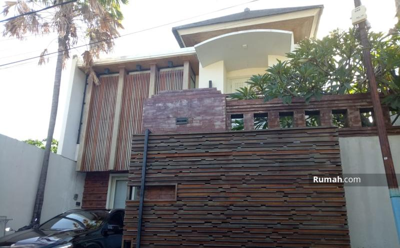 Vila Desain Minimalis 3 Kamar Tidur dengan Pemandangan Sawah #98725587