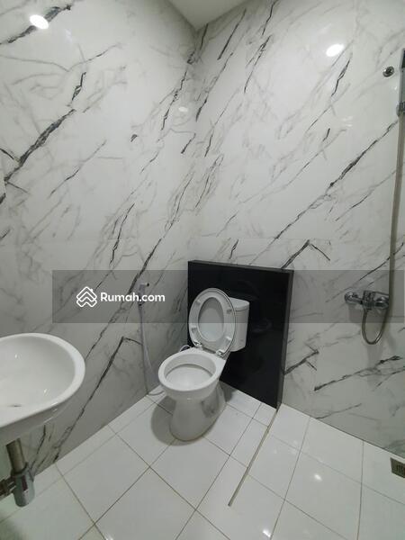 PALING MURAAAHH.... Rumah Baru Renovasi Total Dijual Cepat Di Graha Raya #98754483