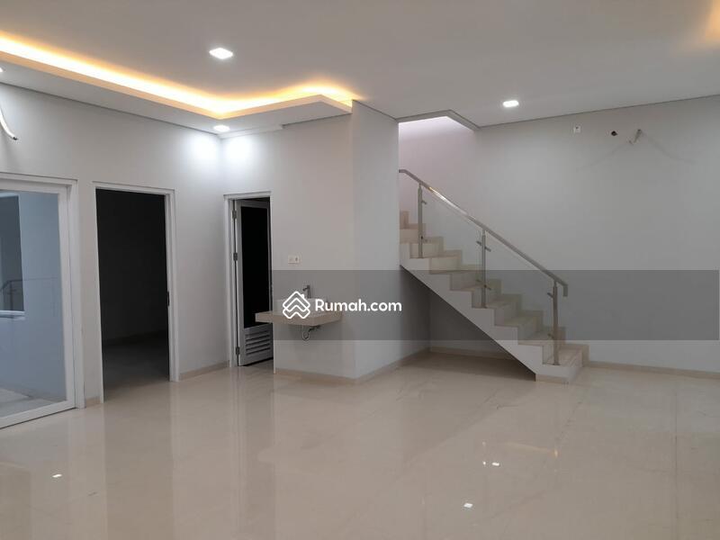 Rumah Baru Pulomas, Lingkungan Nyaman, Nego Sampai Deal #98827875
