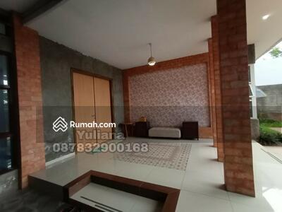 Dijual - Rumah Bagus siap pakai di Jl. Candi Prambanan, Semarang