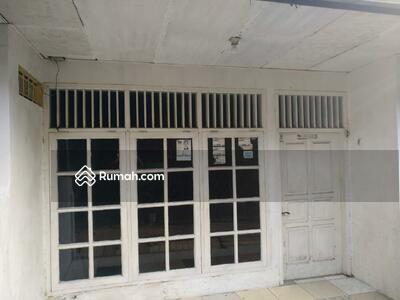 Dijual - Rumah Seken 5 Kamar Lokasi Strategis di Jatinegara Kaum Pulogadung