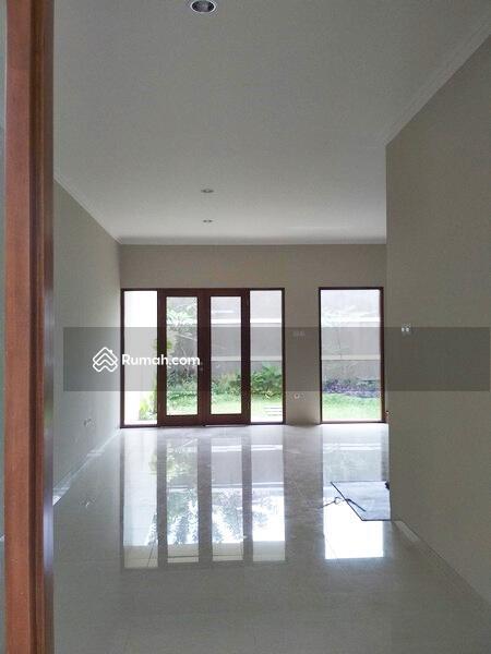 Rumah Mewah Siap Huni 2 Lantai Cocok Untuk Keluarga Besar #98881365