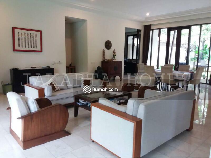For Rent Beautiful and Spacious House in Cilandak Bawah #98953799
