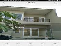 Dijual - Rumah 2 lantai dijual cepat harga 990jt  nego lokasi dekat Gading Serpong