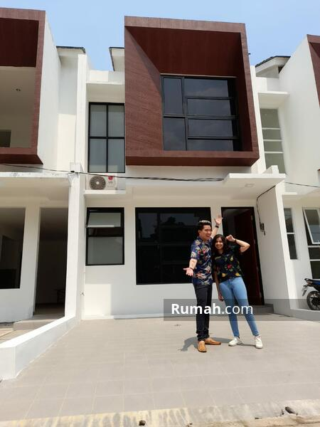 Rumah 2 Lantai Asri dan Nyaman Strategis Dekat Tol Andara,MRT Fatmawati #106476911
