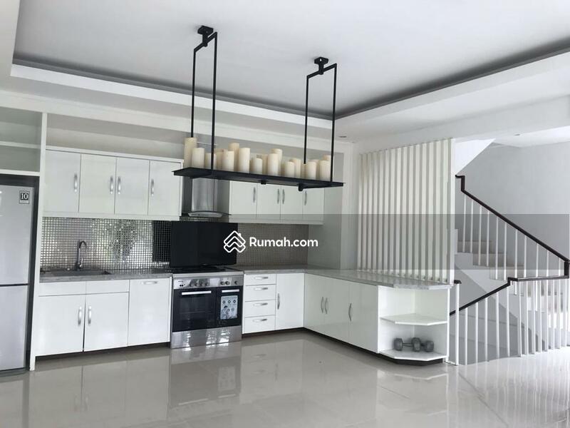 Dijual Rumah Modern 2 Lantai di Cilandak Barat #99060941