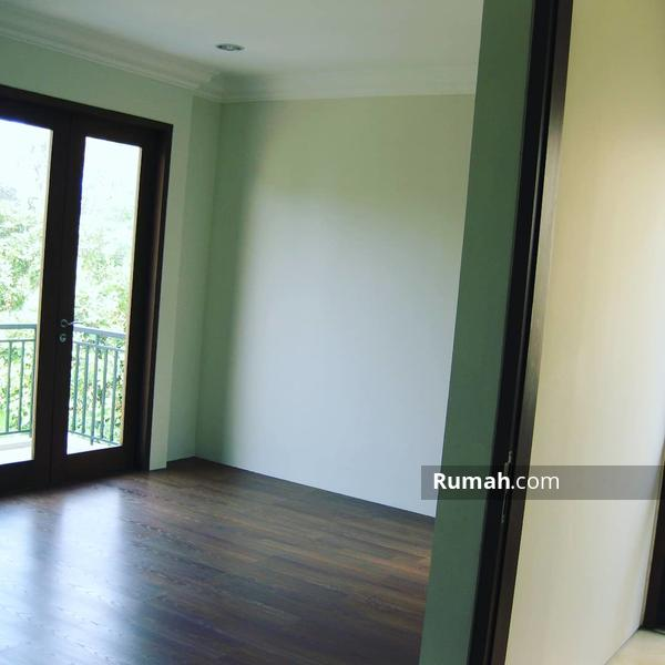 Hunian Modern di Cipete Selatan Dalam Town House #99148191