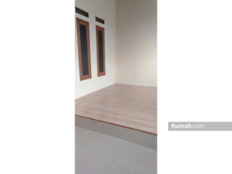 Rumah Cantik di Griya Cariu Indah #99245419
