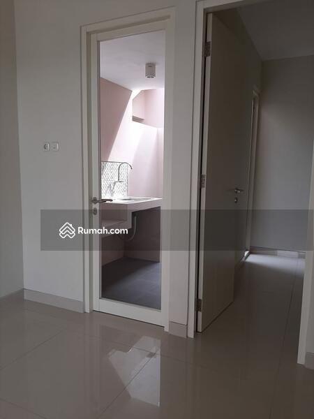 Rumah 2lantai Baru Free SHM dekat Surabaya utara #99659719