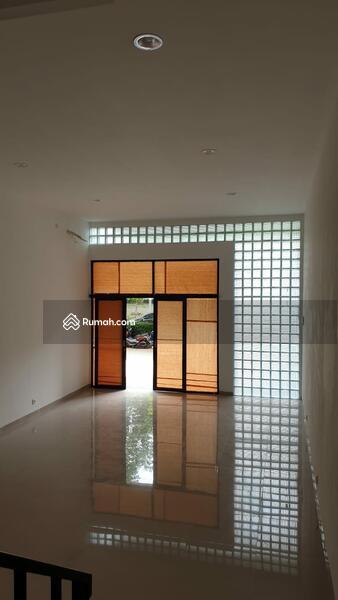 Ruko 2.5 Lantai Untuk Usaha di Lokasi Strategis Bintaro Sektor 9 #99739791