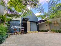 Dijual - Dijual Rumah mewah Kontemporer Tropis ditengah kota Yogyakarta