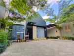 Dijual Rumah mewah Kontemporer Tropis ditengah kota Yogyakarta