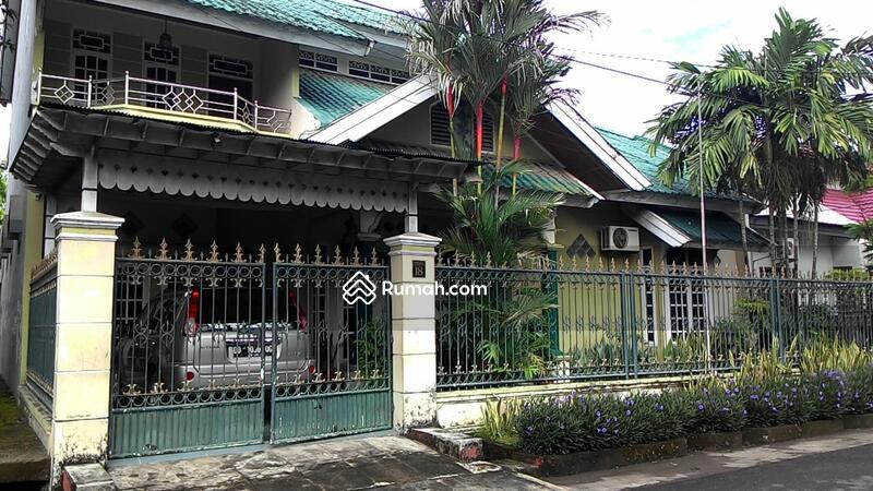 Rumah mewah 2 lantai #99831613