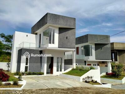Dijual - Rumah Villa Mewah Murah strategis Jatinangor UNPAD Setiabudi Sukajadi bogor depok jakarta