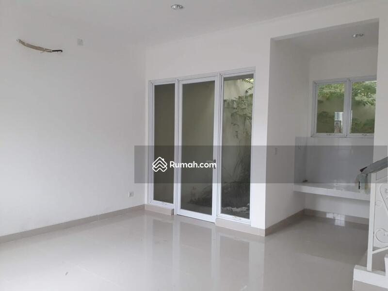 Rumah brand new siap huni 2lt 8x15 120m Type 3+1KT di Cluster Thames JGC Jakarta Garden City Cakung #99993409