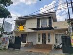 Dijual Murah Rumah Luas 2 Lantai di pusat Kota Bogor dengan akses tol dan stasiun Bantarjati