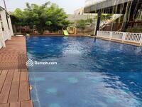 Dijual - Rumah secondary ada kolam renangnya