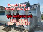 Rumah baru di solo luas 75m Rp 340jt jalanya lebar