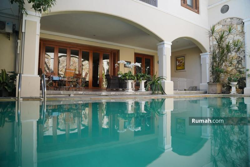 Dijual Cepat Rumah Mewah Arsitek Terkenal  ARSITEK HIDAYAT Lokasi Dharmahusada permai #100546615