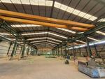 Gudang Workshop Dilengkapi 6 Hoist Crane Dekat Jababeka Cikarang
