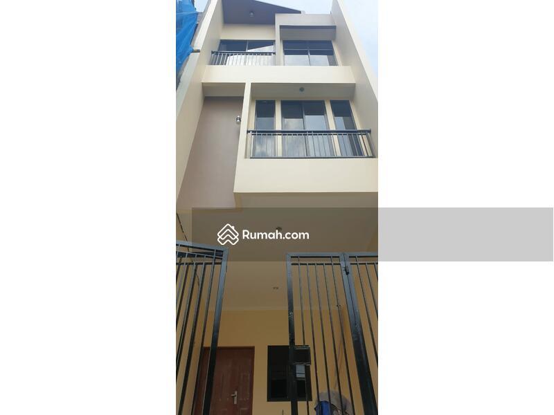 Rumah baru minimalis dgn tata ruangan bagus dan simple #108358025