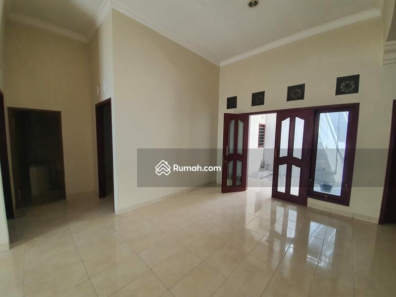 Rumah Banjarsari Solo #100990803