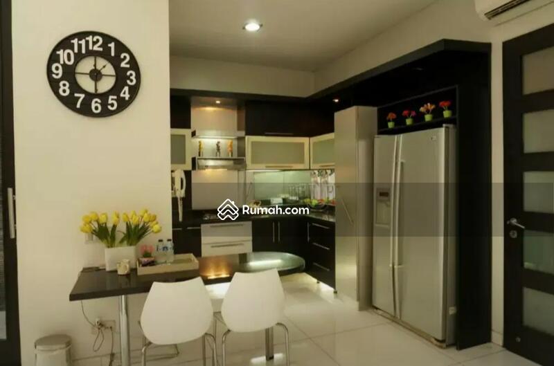 Rumah mewah 3 lantai lokasi elite Kemang #100911783
