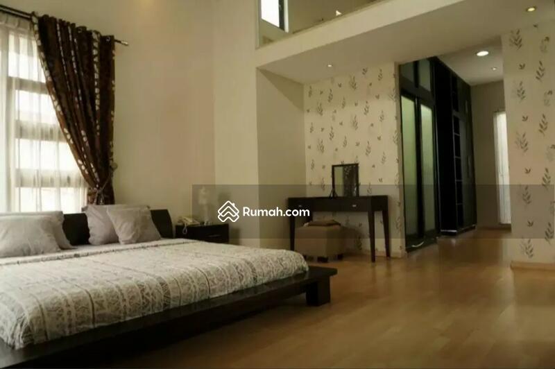 Rumah mewah 3 lantai lokasi elite Kemang #100911785