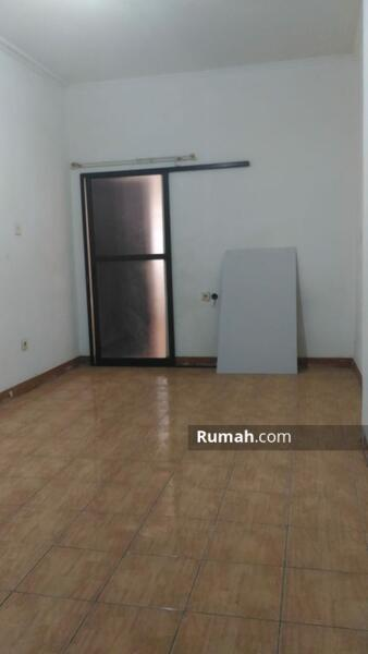 Rumah siap huni di Duri Kepa Jakarta Barat, harga bersahabat !! #101046759