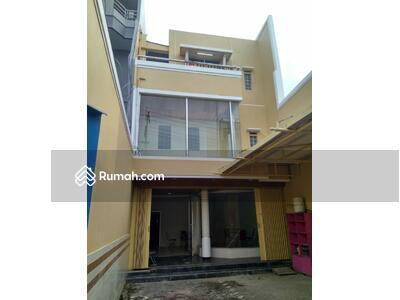 Dijual - Dijual Ruko 3 Lantai dan Rumah di Kedungsari