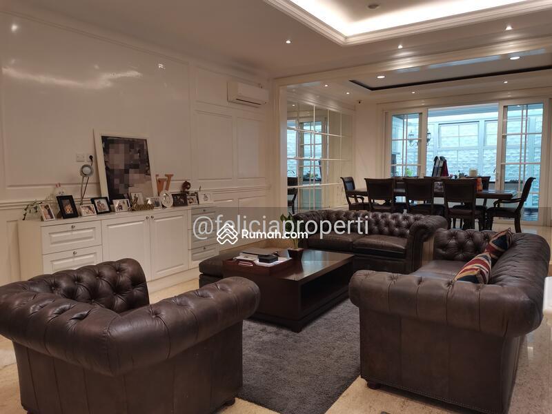 Rumah Classic Modern Furnished #101323917