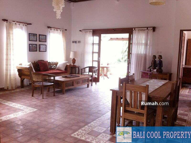 Living & Dining area 1