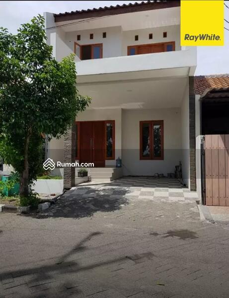 Rumah 2 lantai di Babatan Pratama, Surabaya #101405999