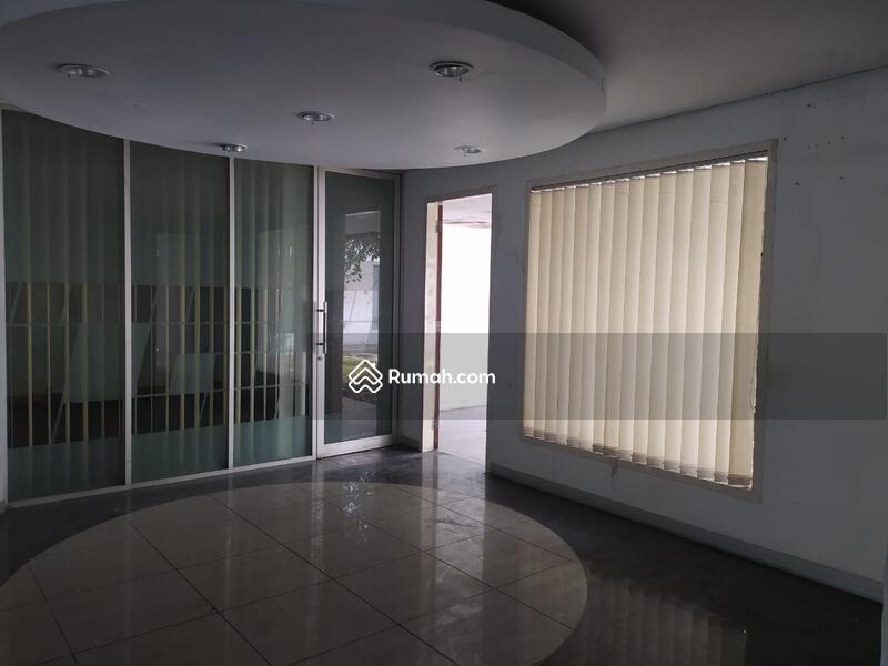 JUAL CEPAT !! Ruko Strategis Ex. Bank di Mainroad BKR #101426247