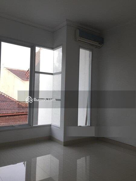 Brand New Rumah Minimalis & Lux, Dalam Komplek Di Pasar Minggu #101452555