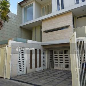 Dijual - Jual Murah Rumah Manyar Kertoarjo 3 Lantai Bangunan Sangat Istimewa
