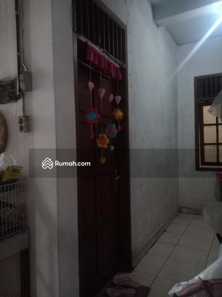 Rumah kost masih aktif dan di lokasi strategis Jakarta Barat #101655141