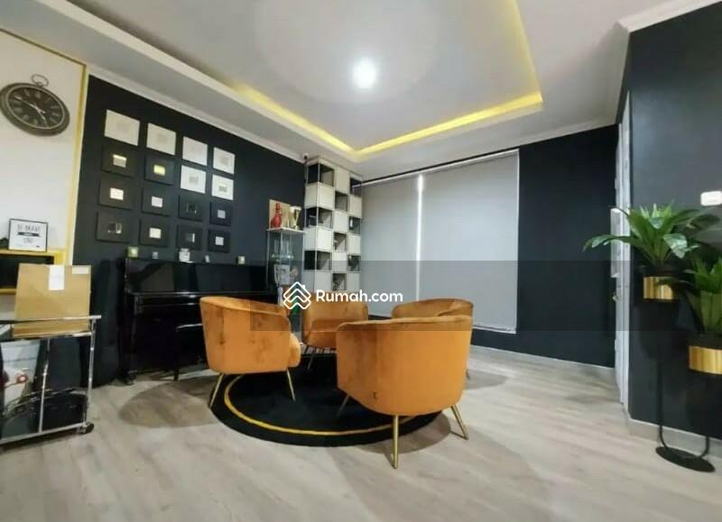 FULLY Furnished! Rumah Mewah Modern dalam Townhouse di Jagakarsa #101688227