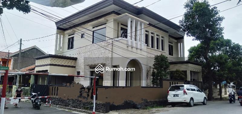 Rumah mewah sangat megah di Antapani lokasi strategis #101763875