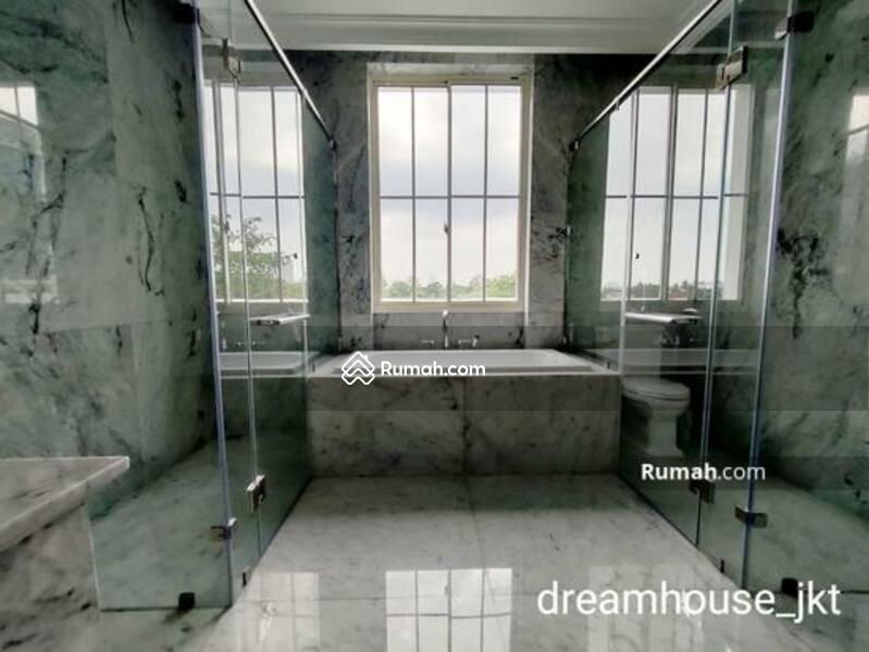 SOUTH GROVE - Luxury Home at Lebak Bulus #102315641