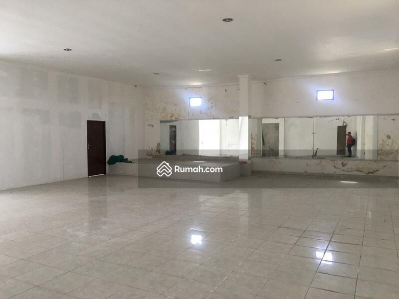 Di jual Cepat Ruko Minimalis lantai 2 yg berlokasi di jln. R.A. Kartini Gianyar. #102449683