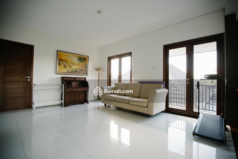 Dijual Rumah Sytle Villa di Gatot Subroto dekat Bulu Indah Canggu #102553965