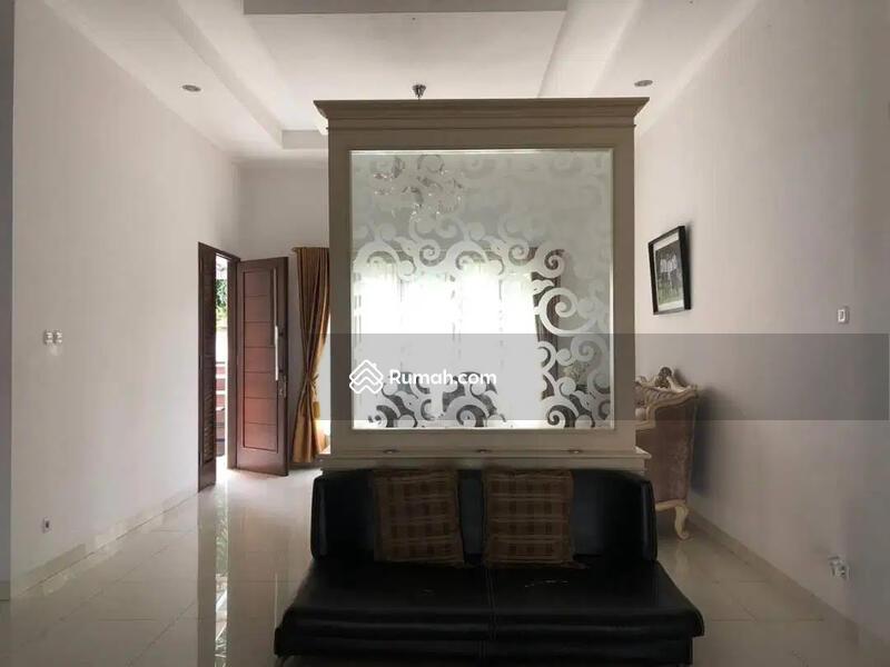 Rumah Tinggal Hoek Full Furnished Jl. Ring Road Utara, Sleman, Jogja #102600183