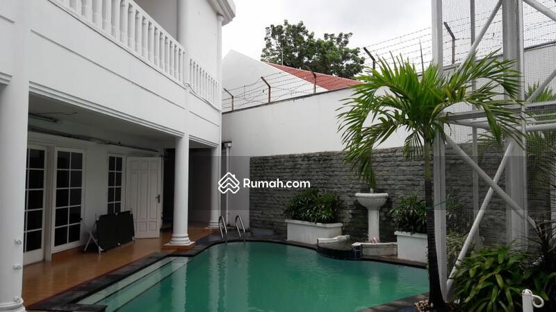 Rumah jual cepat ada pool area hang tuah lokasi bagus dan strategist, jarang ada #105537467