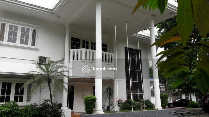 Rumah jual cepat ada pool area hang tuah lokasi bagus dan strategist, jarang ada #105537471