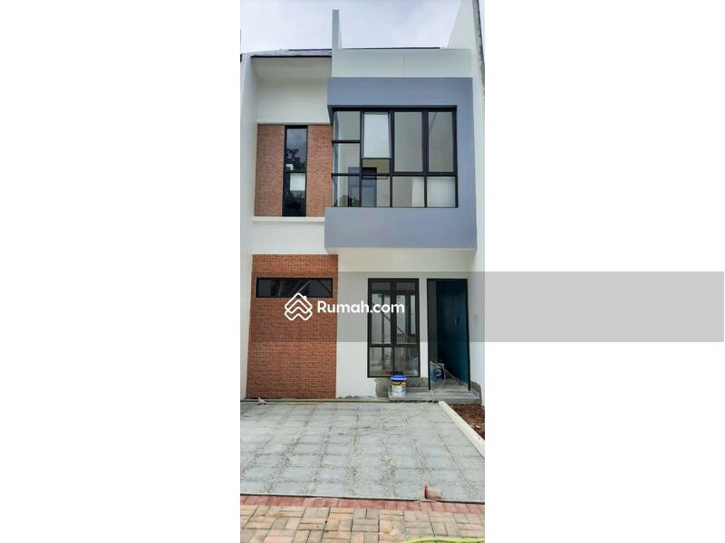 Rumah Cluster 2,5 Lantai Terbaik Berlokasi Strategis di Belakang Kampus UI - Depok #103702855