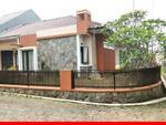 Rumah HOOK lebar 15m di Gegerkalong dkt KPAD Setiabudhi Bandung Utara