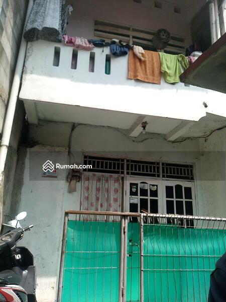 Jual rumah 2lantai hanya 325 juta di Jakarta Timur #105921983