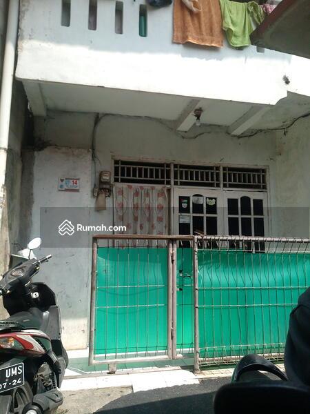Jual rumah 2lantai hanya 325 juta di Jakarta Timur #105922041