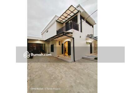 Dijual - Rumah non Cluster strategis di Petukangan Jaksel